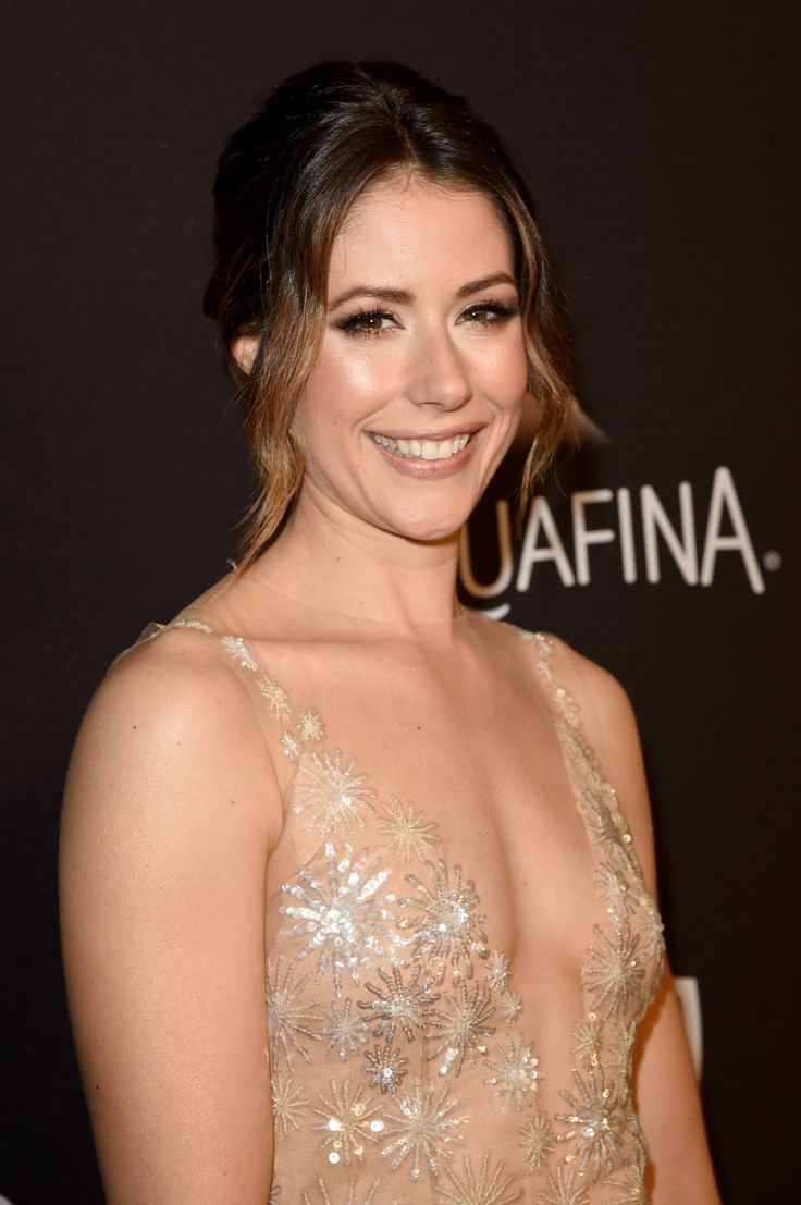 Amanda Crew attends the InStyle And Warner Bros. Golden Globe Awards Post-Party http://celebs-life.com/amanda-crew-attends-instyle-warner-bros-golden-globe-awards-post-party/  #amandacrew