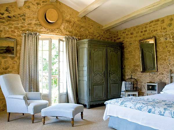 French Twist: Dreams Bedrooms, French Bedrooms, French Style Bedrooms, French Twists, Stones Wall, French Decor, French Country, Country Bedrooms, Bedrooms Decor Ideas
