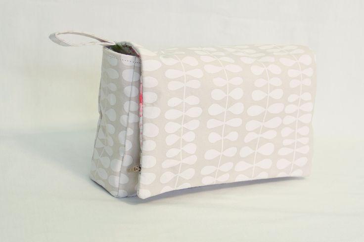 Cream and Dandelions Nappy Wallet
