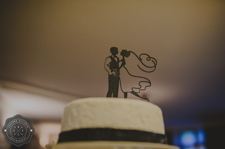Beautiful silhouette wedding cake topper. http://johannahietanen.com