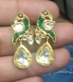 Perfect parrot earrings, can be paired with any polki chain