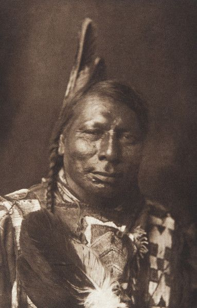 Flying Shield - Yanktonai  (The North American Indian, v. III. Cambridge, MA: The University Press, 1908)