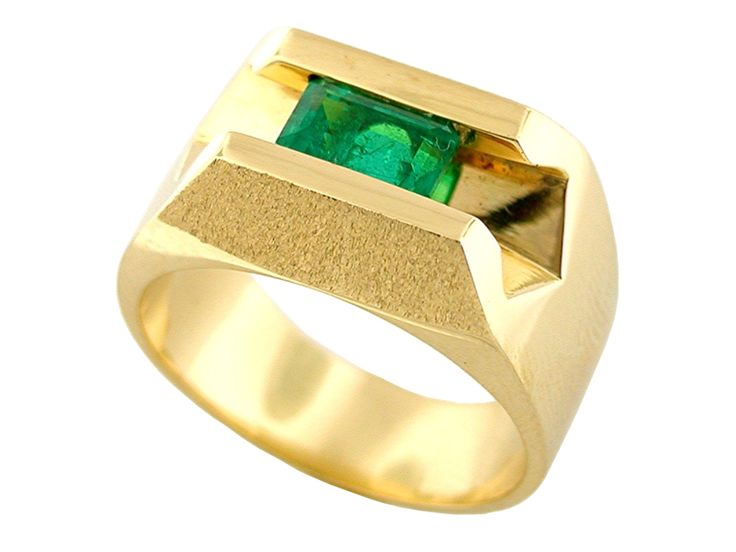 Men's ring with 1.02 Ct. emerald cut emerald from Colombia with intense green color