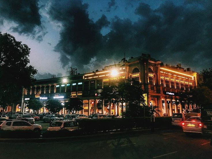 Connaught Place mood this evening