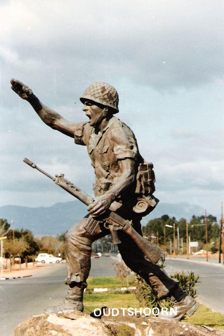 Statue @ entrance to Infantry School, Oudtshoorn