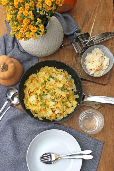 Zur Herbstzeit serviere ich Butternut-Kürbis-Tagliatelle