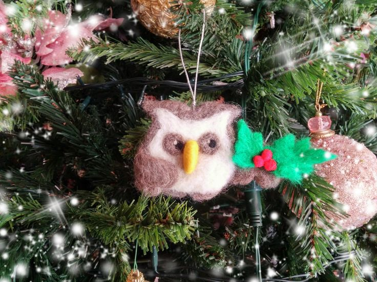 Needle felted Christmas owl,ornament,brooch,pin by HappyFeltingHour on Etsy