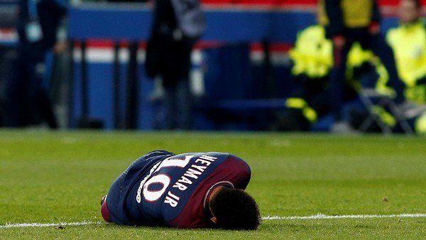 Liga de Francia | PSG derrotó a Olympique y se lesionó Neymar  Foto: Clarín  El líder de la liga francesa con Lo Celso como titular y el ingreso de Di María derrotó como local al elenco de Marsella por 3 a 0 en el partido que marcó el cierre de la 27ma. fecha y generó preocupación en locales porque el brasileño sufrió en principio un esguince en el tobillo derecho y debió abandonar el campo de juego a los 35 minutos del segundo tiempo muy dolorido .  Los goles del equipo parisino fueron…