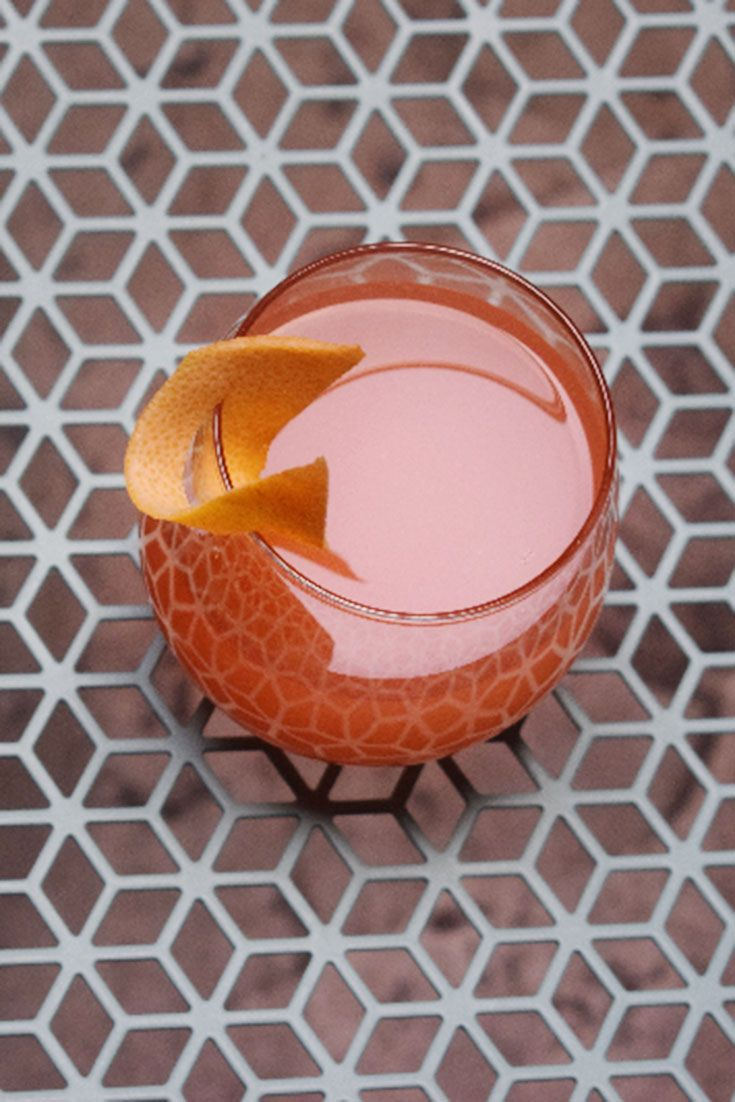 Learn How To Make The Best Sparkling Wine Cocktail With Grapefruit Juice And Passion Fruit Liqueur Wit Wine Cocktails Sparkling Wine Cocktails Champagne Drinks