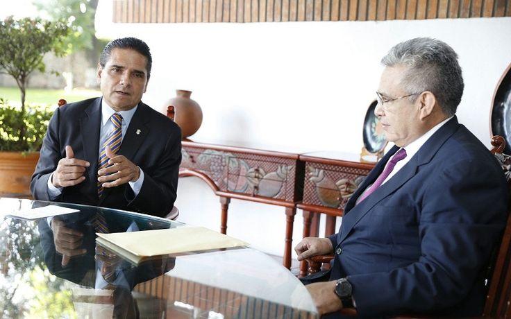 El gobernador Silvano Aureoles y el presidente del STJE, Marco Antonio Flores, coinciden en la importancia de mantener una relación institucional sana y respetuosa en beneficio de los michoacanos – ...