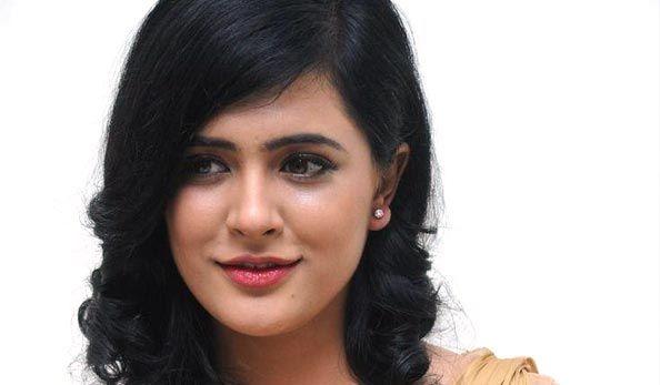 Actress #DiyaNikolas   More Stills: http://tamilcinema.com/diya-nikolas-stills/