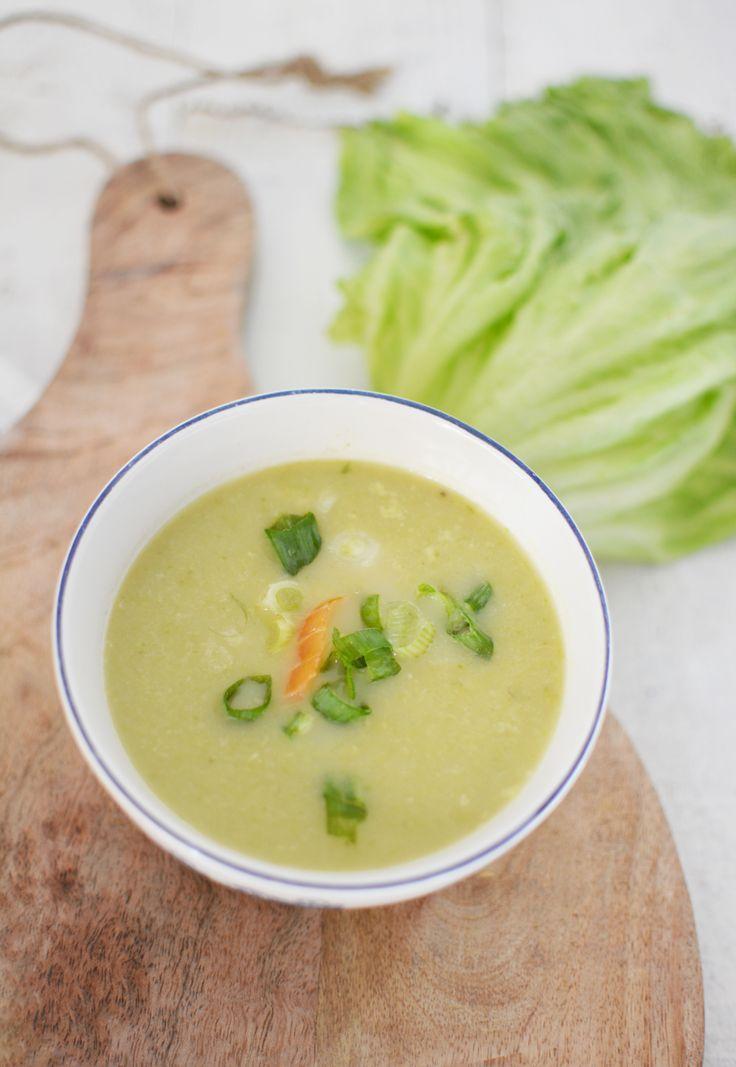 Romige soep van ijsbergsla (kan ook zonder de zalm uiteraard)