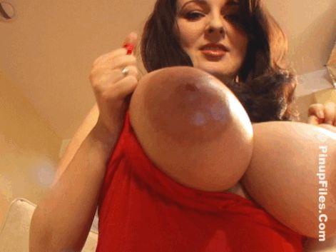 Tamil actress boob slip