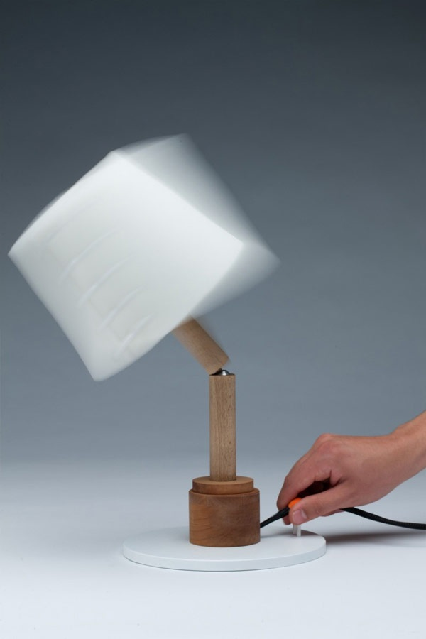 Lámpara articulada