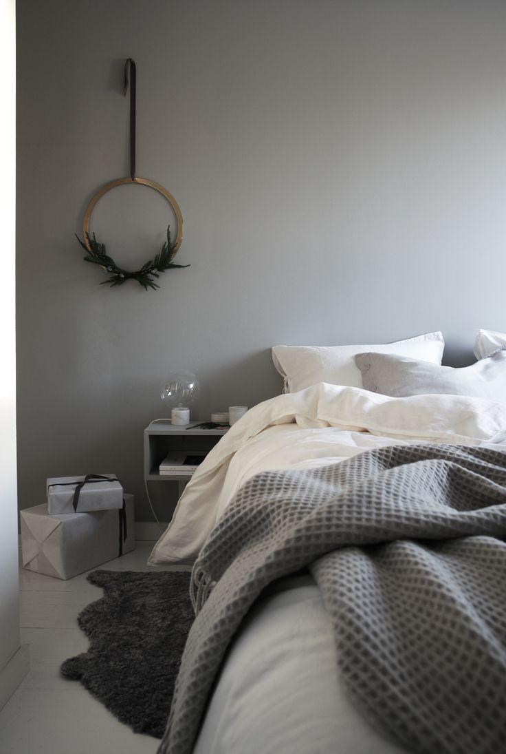 bedroom, christmas styling by elisabeth heier