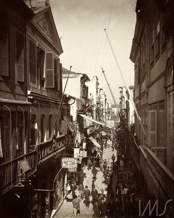 Marc Ferrez. Rua do Ouvidor. c. 1890. Rio de Janeiro. Brasiliana Fotográfica