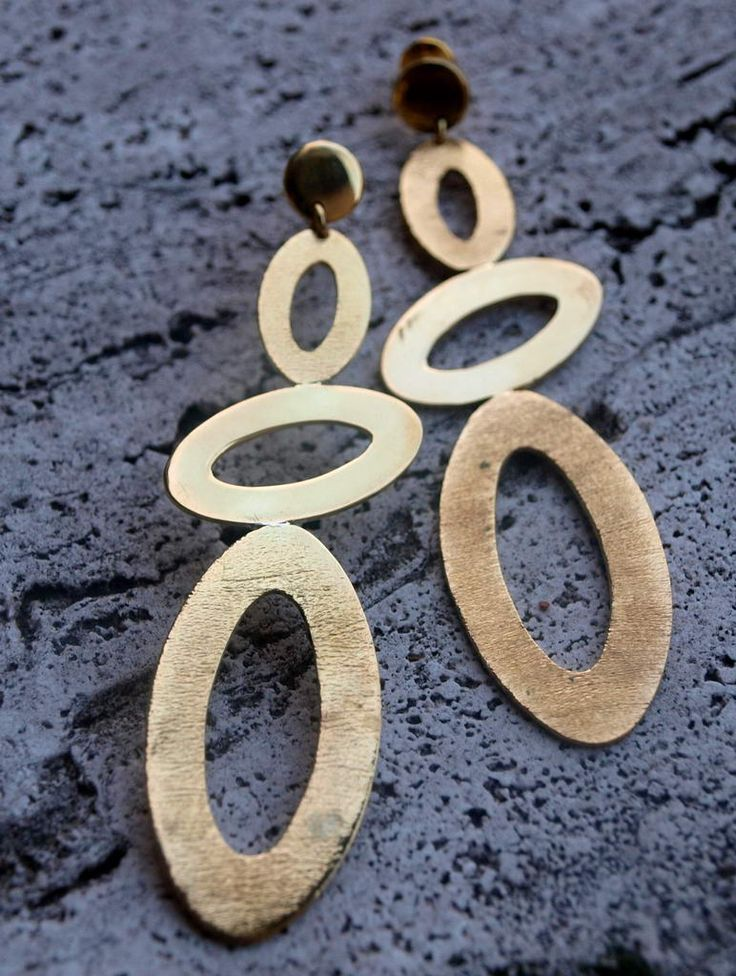 Brass earrings with ovals and satin effect, www.lemetissage.it