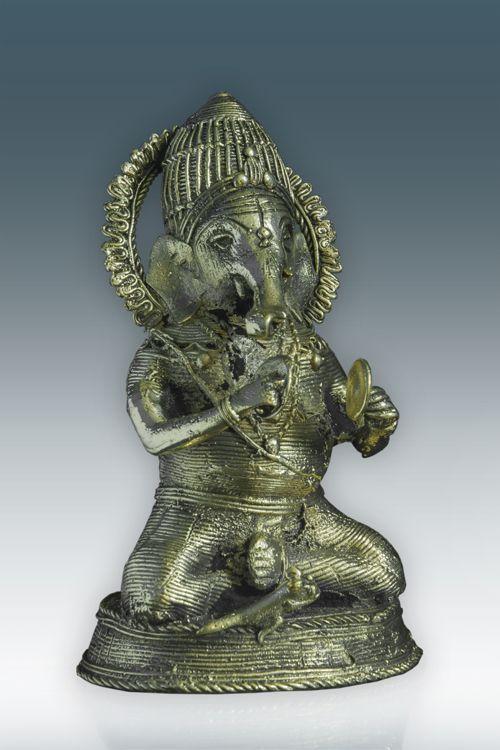 Welcome Lord Ganesha to your home this Diwali! http://goo.gl/EsJUJB