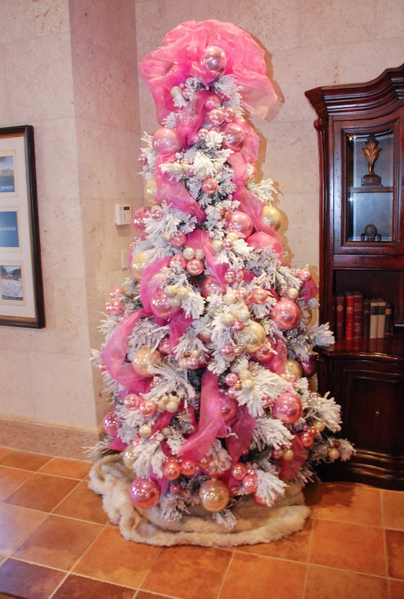 white christmas tree with pink accents christmas crafts pinterest trees christmas trees. Black Bedroom Furniture Sets. Home Design Ideas