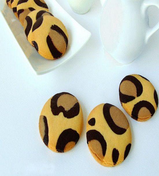 Kıyır kıyır bisküvi tadında leopar kurabiye alırmısınız? 😋 Kahvenin veya çayın yanına tadına doyamayacağınız nefis leopar kurabiyeyi sizlerle paylaştık.