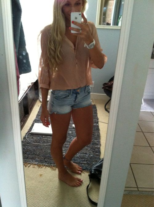 : Summer Looks, Summer Style, Shorts Shirts, Cute Summer Outfits, Lights Denim, Casual Outfits, Perfect Curls, Jeans Shorts, Shorts Skirts