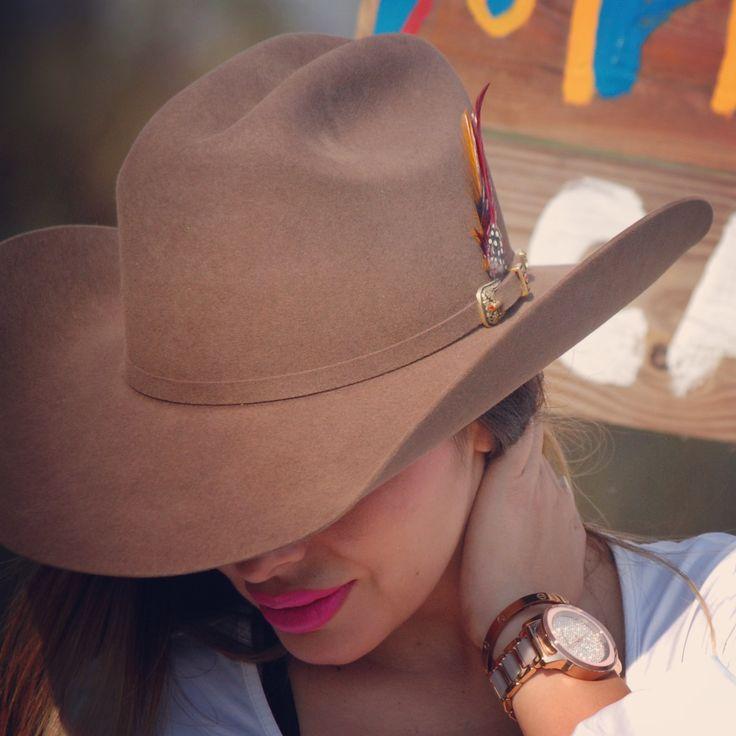 Gánate una #texana #50x para #findeaño Compra cualquier producto en www.tienda.westpointhats.com y participa! #felizfindesemana #copamx #seriemundial #gpmexico #ligamx #vaqueras #cowgirls #cowboys