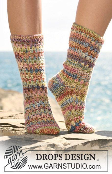 Gehaakte DROPS sokken van 2 draden Fabel. Gratis patronen van DROPS Design.