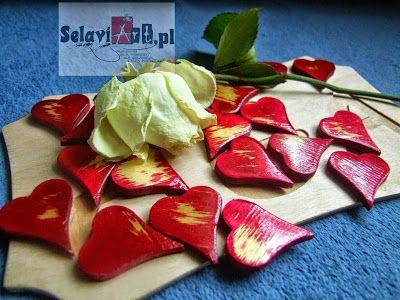 cherry plywood hearts small to ornaments and photo sessions  serduszka ze sklejki wiśniowe małe do ozdoby i sesji fotograficznych