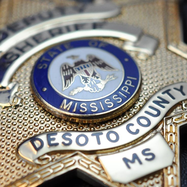 DESOTO COUNTY, Miss. – Two DeSoto County sheriff's deputies were shot, and the suspect was killed during an exchange of gunfire in Mississippi.  http://www.lawenforcementtoday.com/deputies-survive-robbery-suspect-killed-gun-battle-mississippi/