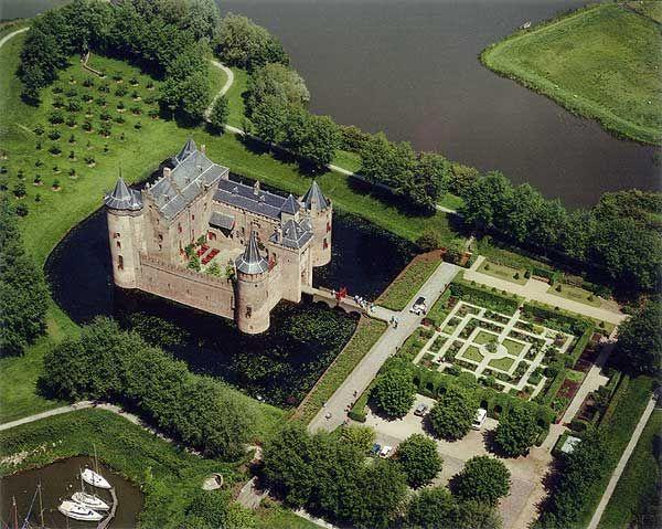 Muiderslot, castle in The Netherlands