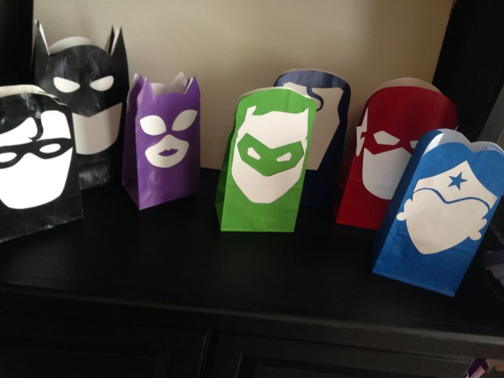 Super Hero Party Favor Bags! Make your own!