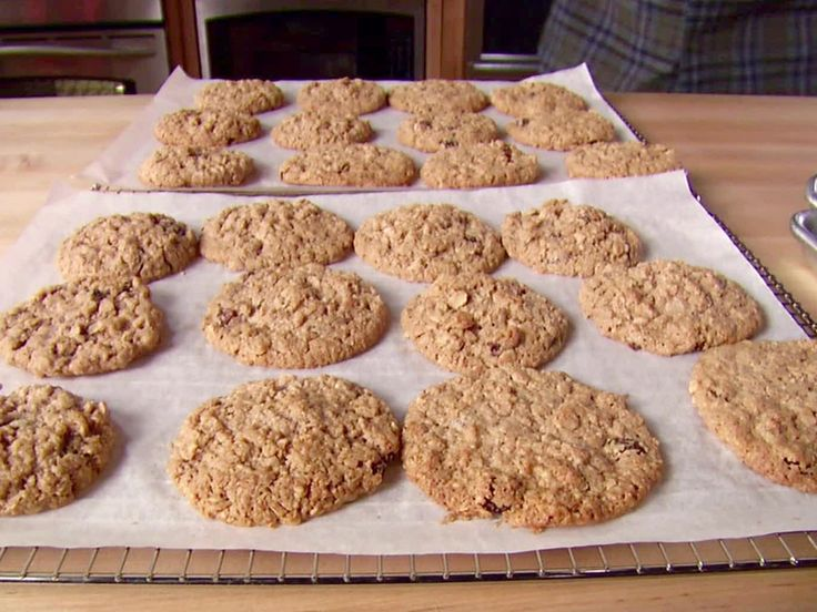 25 best ideas about flourless oatmeal cookies on for Alton brown oat cuisine