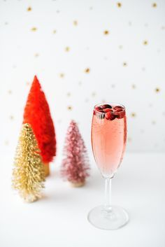 The Winter Rose Cocktail | Fentimans Rose Lemonade Cocktail | Holiday Cocktails   #christmas #christmasrecipes #holiday #holidayrecipes #holidaycocktails #christmascocktails #wintercocktail #roselemonade #winter #cocktails #holidayparty #christmasparty