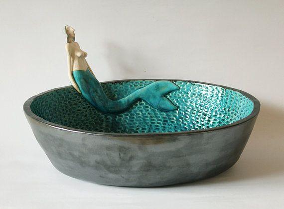 Cuenca de sirena con escamas de pescado  lavabo de por clayopera