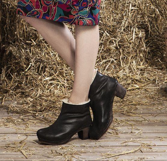 bottes d'équitation femme style chic en cuir marron made in france en camargue - la botte guardiane