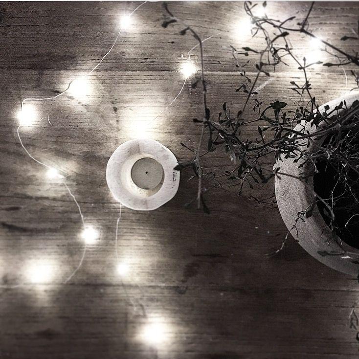 Den vackraste och skiraste ljusslingan som tänkas kan. Kan till exempel viras runt fönster, en spegel eller i en växt eller vart som helst där en vacker