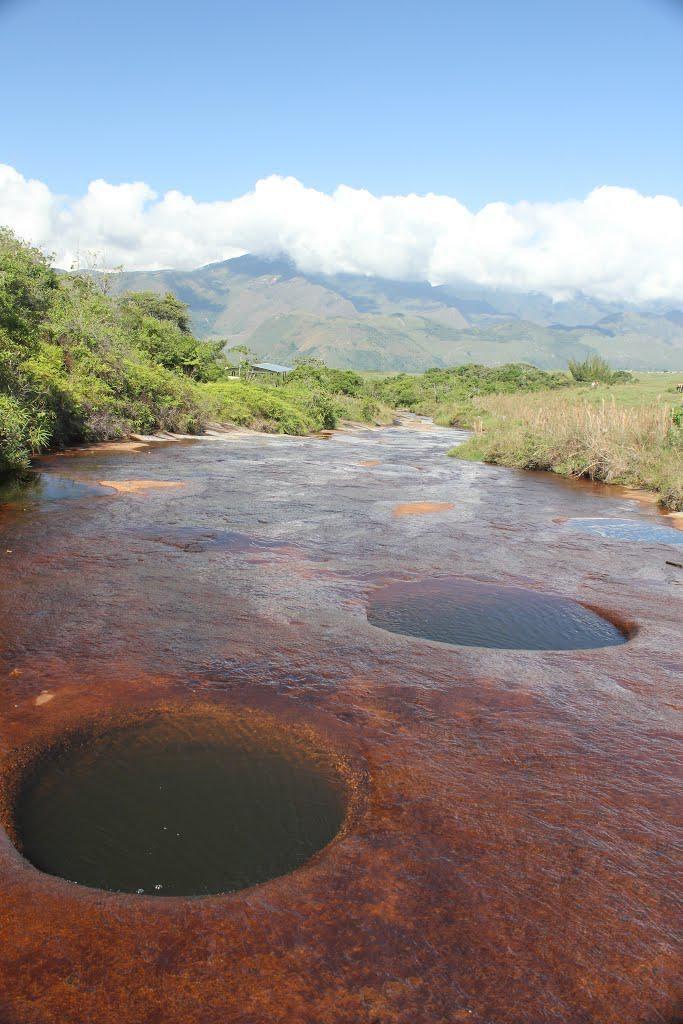 Quebrada Las Gachas en Guadalupe Santander Colombia