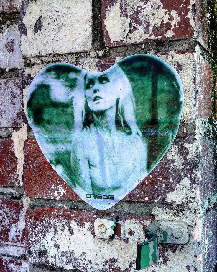 Work by @d7606art ● Newcastle upon Tyne, UK ● See more at @blackburnopenwalls Festival this week . . #D7606 #D7606art #debbieharry #heartofglass #popart #pasteups #wheatpaste #wheatpastes #newcastlestreetart #streetartnewcastle #streetart #streetartandgraffiti #globalstreetart #graffiti #rsa_graffiti #dsb_graff #dopeshotbro #blackburnopenwalls #makeblackburnbeautiful #urbanart #streetartlovers