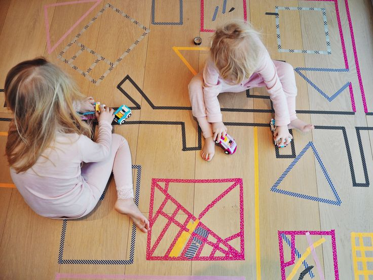 Teip dere en by! Decorative tape to create maps, roads, houses etc for imaginative play.