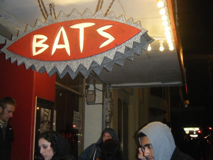 http://whereinthewelly.files.wordpress.com/2012/06/bats.jpg