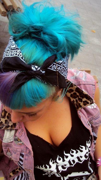 Love this aqua hair colour x