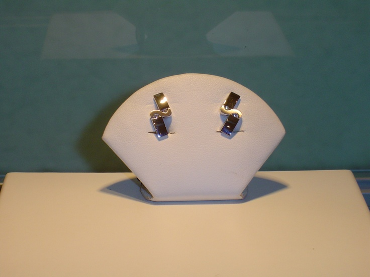 Pendientes oro blanco y brillantes. 0,08 quilates. PVP 960 €  (antes 1.200 €)