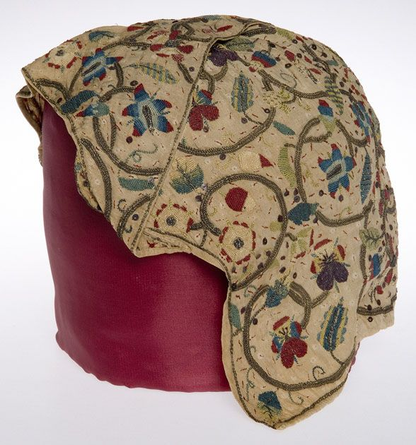 """1600-1620 English Coif with forehead cloth at the Glasgow Museums, Glasgow - From the curators' comments: """"It was customary for married women in the seventeenth century to cover their head. Coifs, a form of cap, such as this example, were worn informally at home. The accompanying forehead cloth is a rare survivor. These were often added when women were ill."""""""
