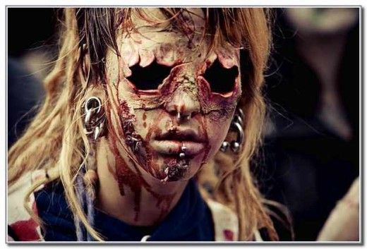 Nice!!!. Yhoset Abel Medina, Yeraldin Paola Ballen, Zombie Walk 2012