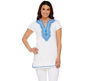 C. Wonder Embroidered Split V-neck Short Sleeve Knit Tunic