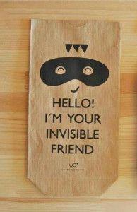 Bolsa de papel craft para amigo invisible de uo-estudio