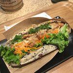 ブルックスミビョウカフェ(BROOK'S ME-BYO cafe) - 照り焼きマリネサンド(560円)