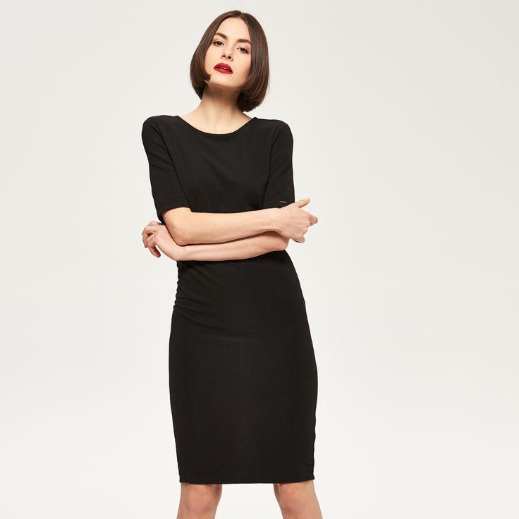 Czarna sukienka, RESERVED