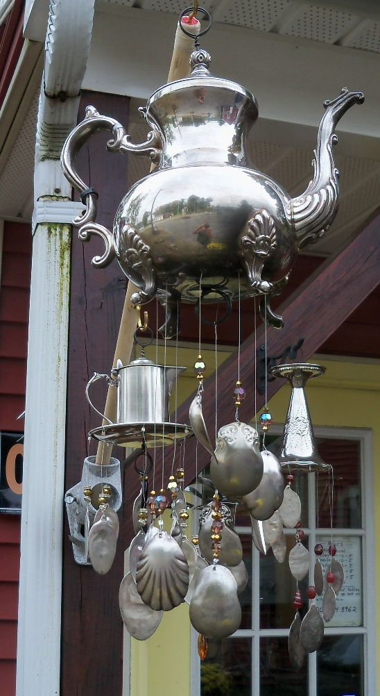 Reminds me of my Mom ..... spoon/teapot windchime - love this!