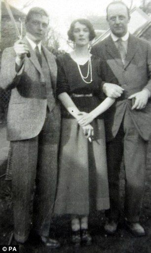 Edward VIII, then Prince of Wales, with Freda Dudley Smith and her husband, William Dudley-Ward